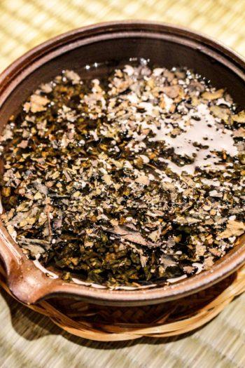 Thé Brun Grillé du Japon - Douceur Flambée - Détail infusion