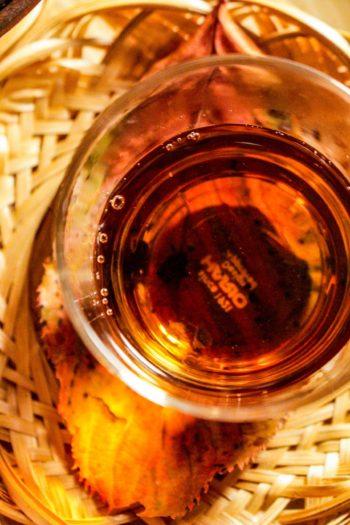 Thé Brun Grillé du Japon - Douceur Flambée - Détail liqueur