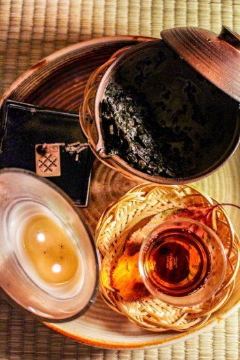 Thé Brun Grillé du Japon - Douceur Flambée - Vue d'ensemble