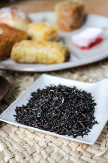 Thé Brun Fumé d'Inde - Nuage Sage - Détail feuilles sèches
