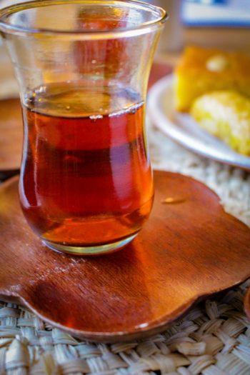 Thé Brun Fumé d'Inde - Nuage Sage - Détail feuilles infusées
