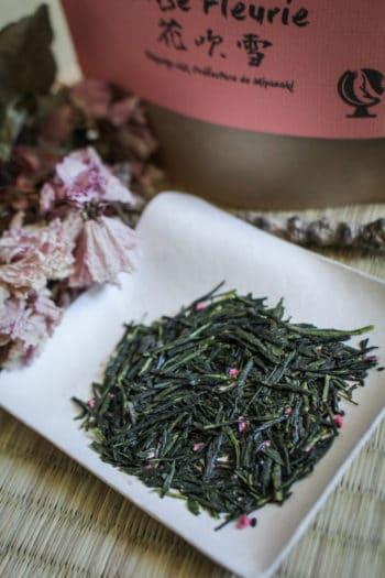 Kabuse Sencha & Fleurs de Cerisier du Japon 「Brise Fleurie」