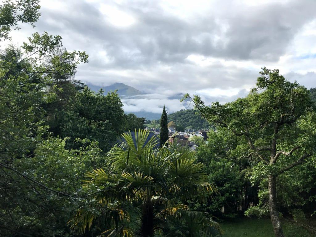 Vue sur Argelès-Gazost depuis le terrain test familial - Thé des Pyrénées